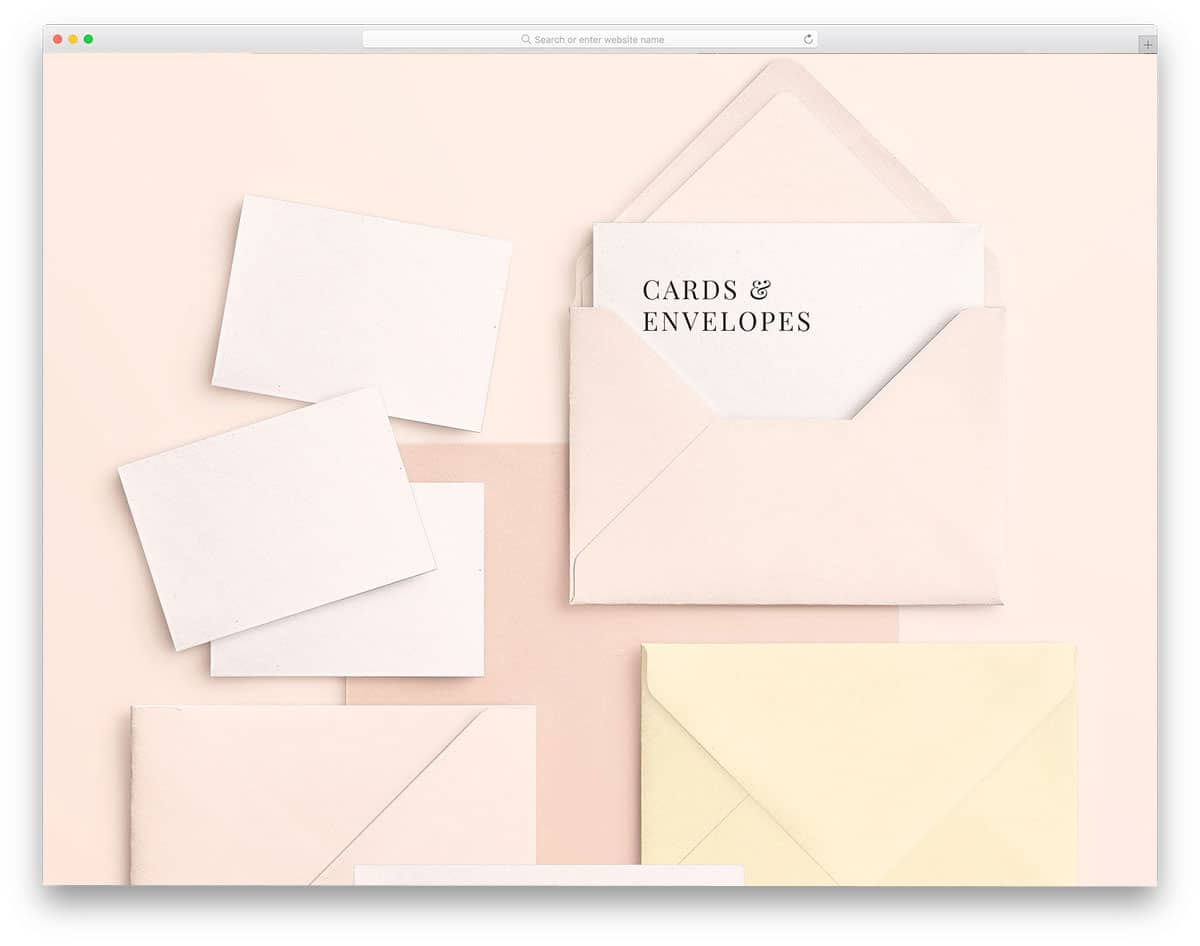 Cards-and-Envelopes-Mockups-Scene